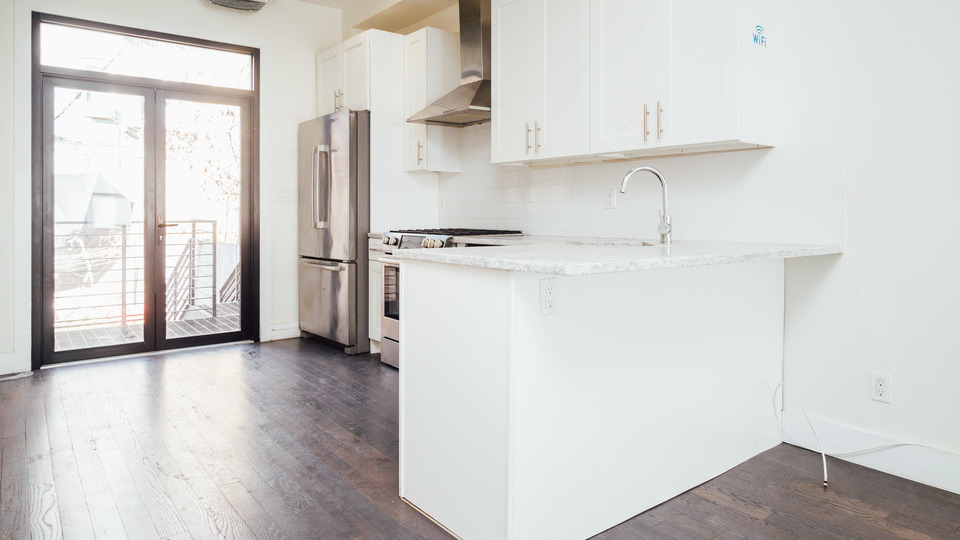 A $4,500.00, 3 bed / 1 bathroom apartment in Bushwick