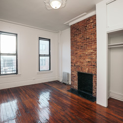 A $2,400.00, 2 bed / 1 bathroom apartment in Greenpoint