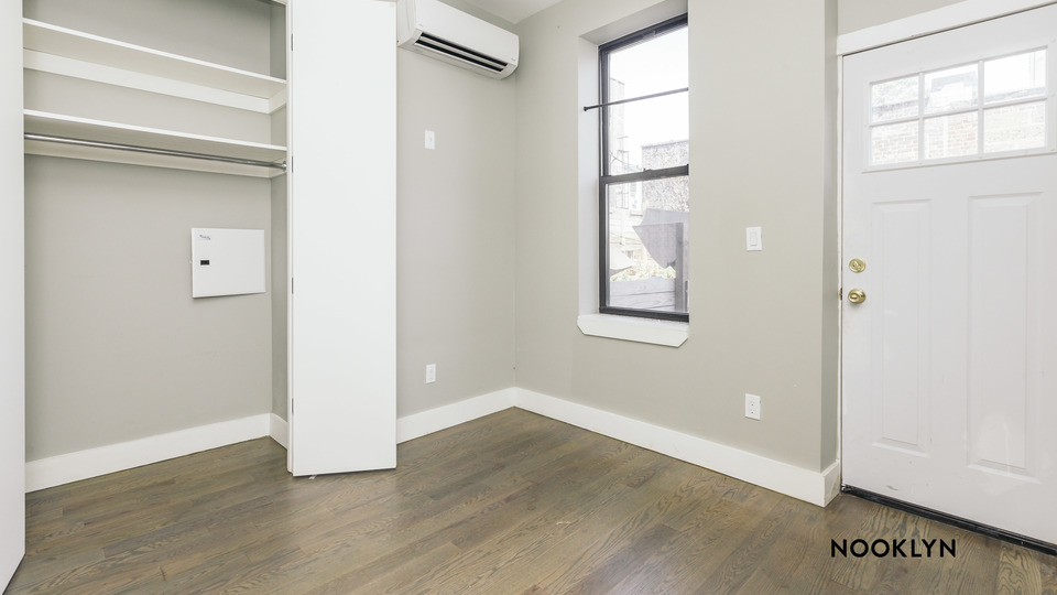 A $2,900.00, 4 bed / 1.5 bathroom apartment in Ridgewood