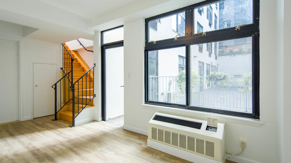 A $3,250.00, 2 bed / 1 bathroom apartment in Bushwick