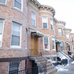 A $2,100.00, 3 bed / 1 bathroom apartment in Ridgewood