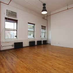 A $2,000.00, 0 bed / 1 bathroom apartment in Bushwick