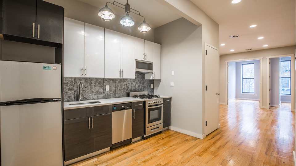 A $825.00, 0 bed / 0 bathroom apartment in Bed-Stuy
