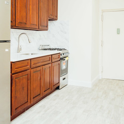 A $2,300.00, 3 bed / 1 bathroom apartment in Bed-Stuy