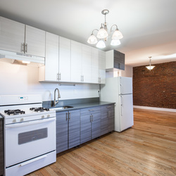 A $2,999.00, 3 bed / 1 bathroom apartment in Williamsburg