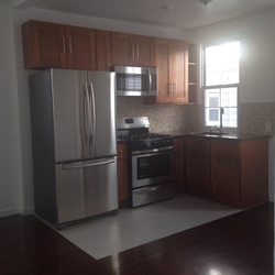 A $1,700.00, 1 bed / 1 bathroom apartment in Flushing