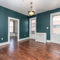 A $2,500.00, 2.5 bed / 1 bathroom apartment in Bushwick
