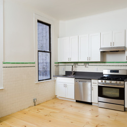 A $4,000.00, 4 bed / 1 bathroom apartment in Bushwick