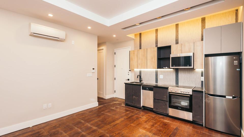 A $3,000.00, 3 bed / 1 bathroom apartment in Bushwick