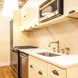 A $2,986.00, 3 bed / 2 bathroom apartment in Bushwick