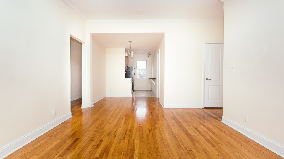A $3,199.00, 4 bed / 1 bathroom apartment in PLG: Prospect Lefferts Gardens