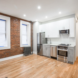A $2,400.00, 1.5 bed / 1 bathroom apartment in Williamsburg