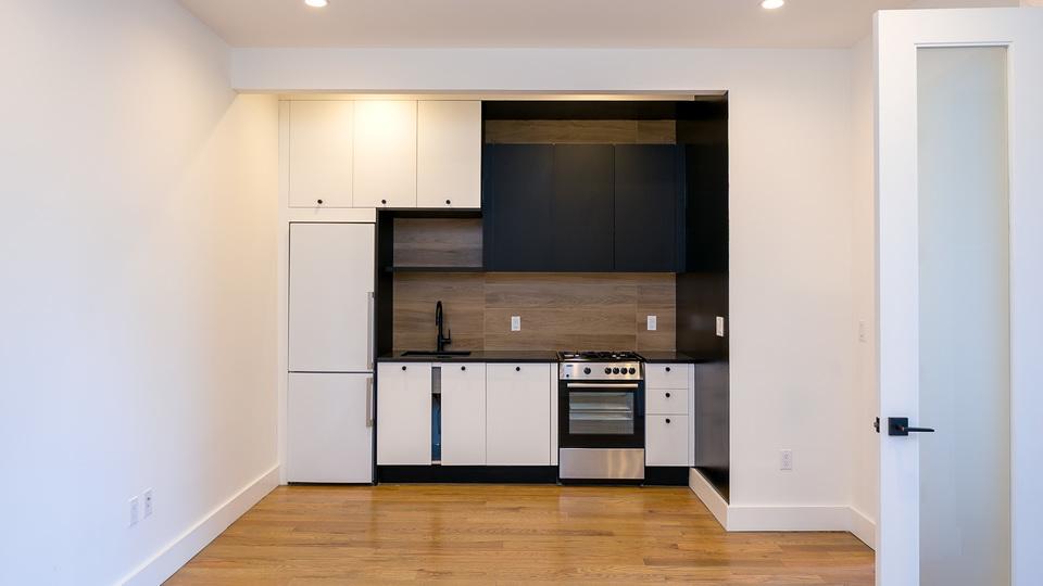 A $3,115.00, 3 bed / 2 bathroom apartment in Bushwick