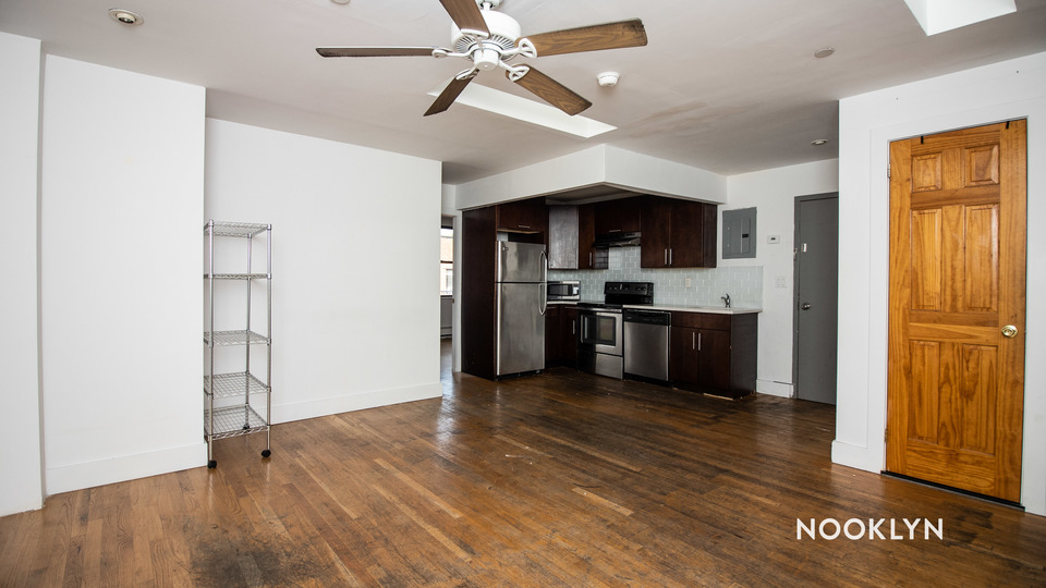 A $4,800.00, 4 bed / 1.5 bathroom apartment in Williamsburg