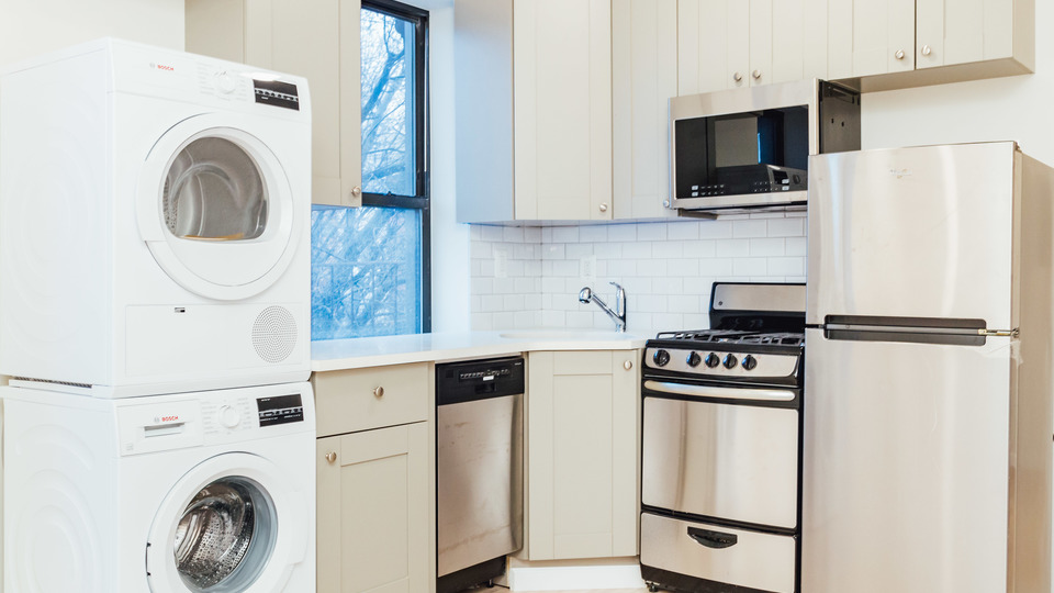 A $3,200.00, 2 bed / 1 bathroom apartment in Park Slope