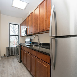 A $2,400.00, 3 bed / 1.5 bathroom apartment in PLG: Prospect Lefferts Gardens