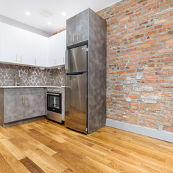 A $2,400.00, 3 bed / 1.5 bathroom apartment in Crown Heights