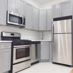 A $2,649.00, 2.5 bed / 2 bathroom apartment in Ridgewood