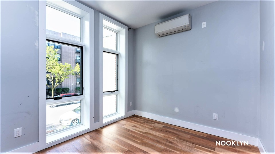 A $2,750.00, 3 bed / 1.5 bathroom apartment in Bed-Stuy