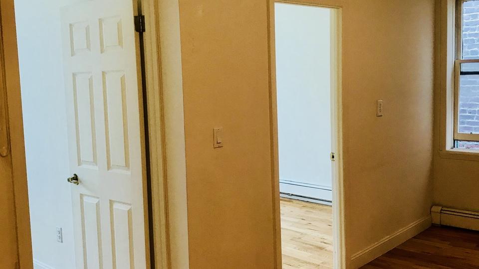 A $1,750.00, 2 bed / 1 bathroom apartment in Ridgewood