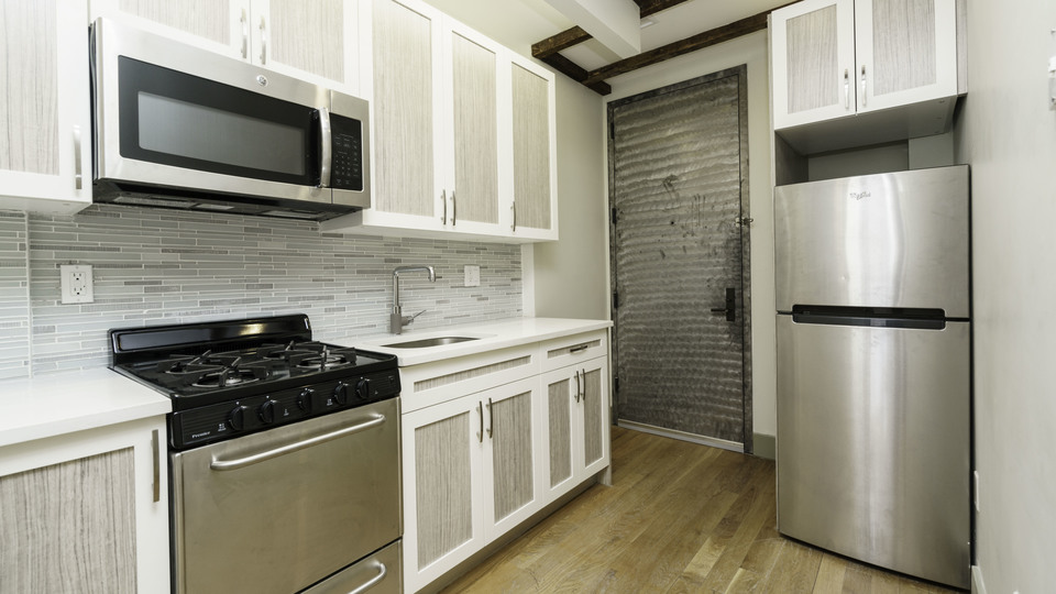 A $2,650.00, 3 bed / 1 bathroom apartment in Crown Heights