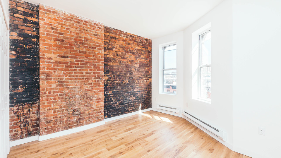 A $2,500.00, 3 bed / 1 bathroom apartment in Bed-Stuy