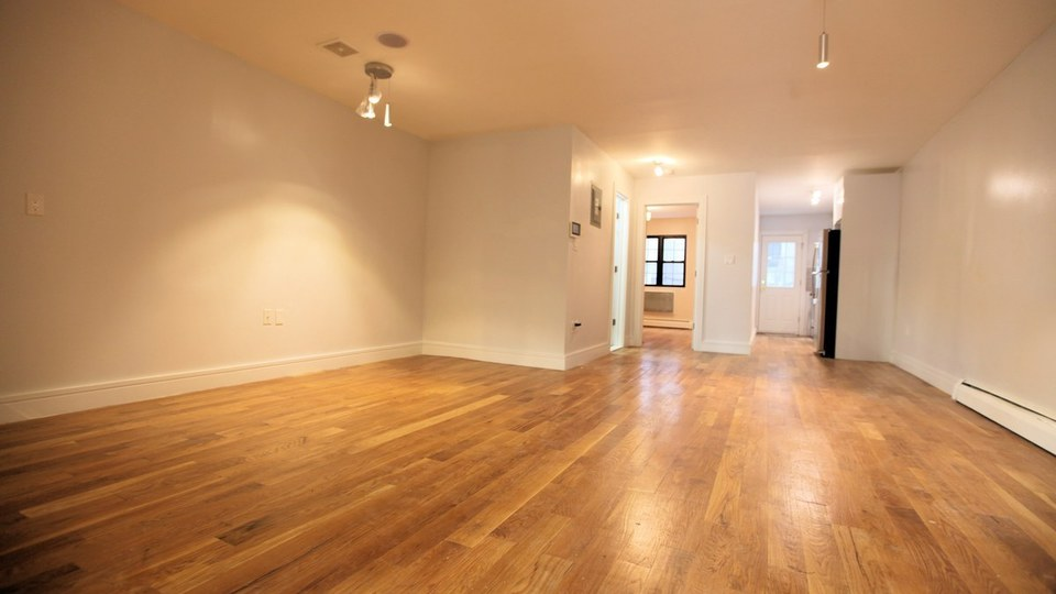 A $3,300.00, 3 bed / 2 bathroom apartment in Bed-Stuy