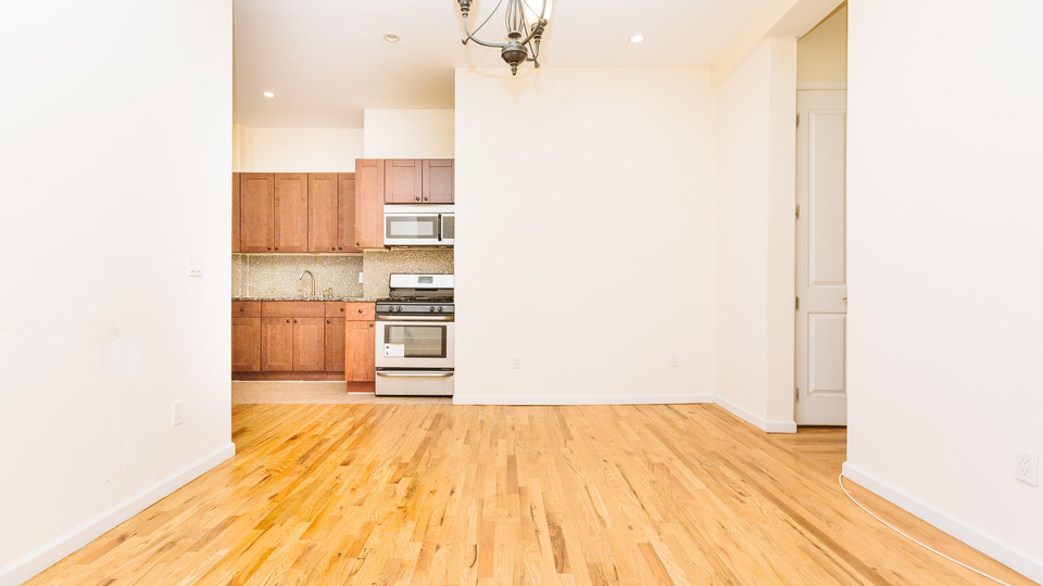 A $2,200.00, 3 bed / 1 bathroom apartment in Flatbush
