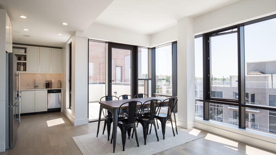A $2,299.00, 0 bed / 1 bathroom apartment in Sunset Park