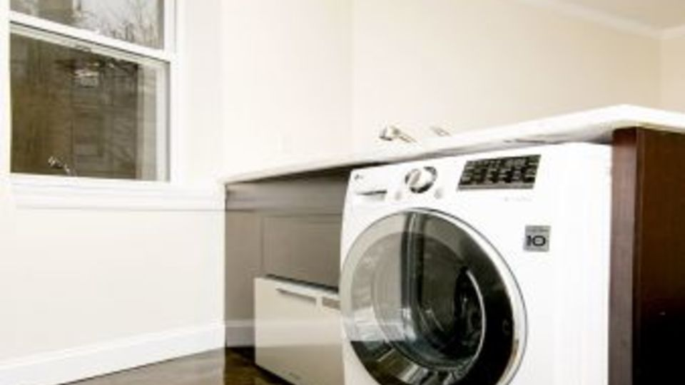 A $2,919.00, 1 bed / 1 bathroom apartment in East Village
