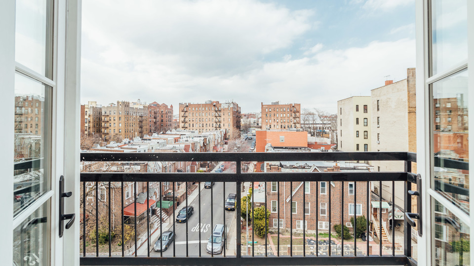A $2,430.00, 2 bed / 1 bathroom apartment in PLG: Prospect Lefferts Gardens