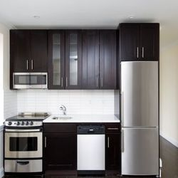 A $6,092.00, 3 bed / 1 bathroom apartment in East Village