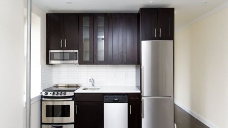 A $5,750.00, 3 bed / 1 bathroom apartment in East Village