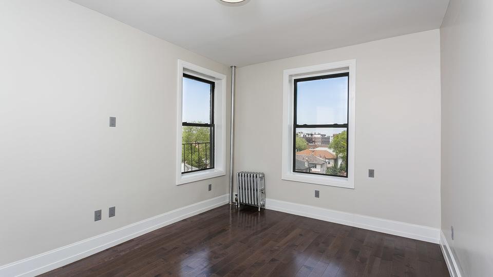 A $2,050.00, 1 bed / 1 bathroom apartment in Bensonhurst