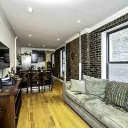 A $5,592.00, 3 bed / 1.5 bathroom apartment in East Village