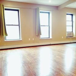 A $1,900.00, 0.5 bed / 1 bathroom apartment in Bed-Stuy