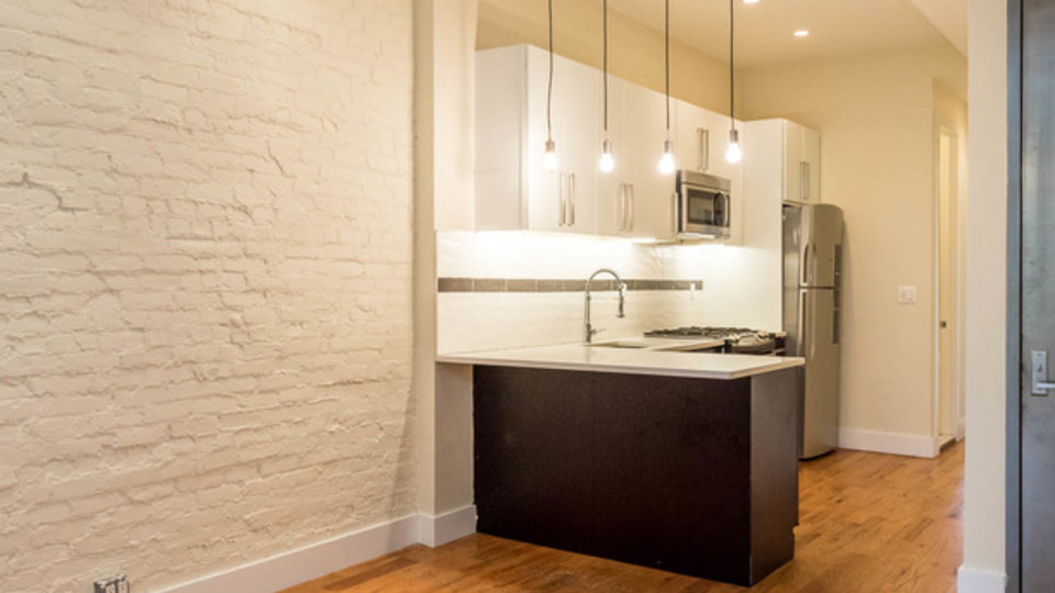 A $2,900.00, 3 bed / 2 bathroom apartment in Ridgewood