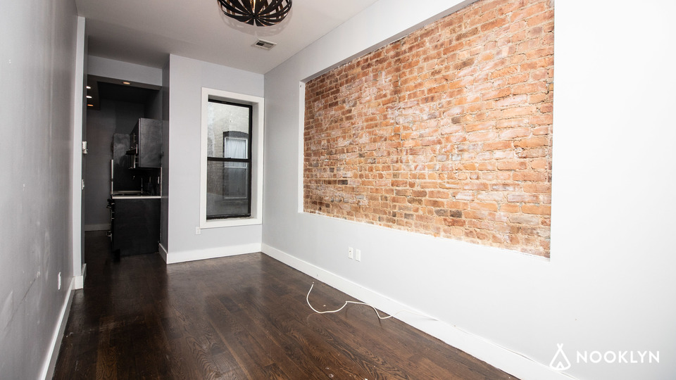 A $2,150.00, 3 bed / 1 bathroom apartment in Bushwick