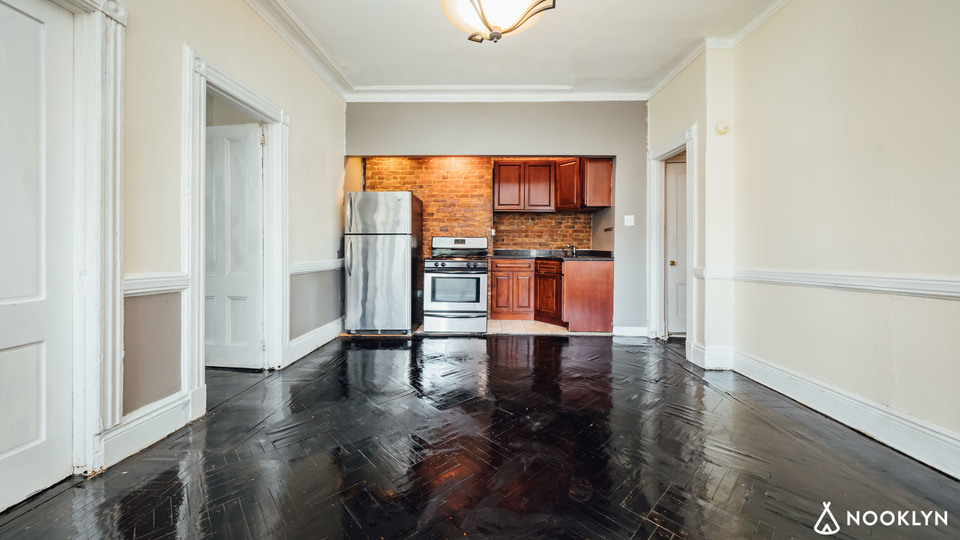 A $3,000.00, 3 bed / 1 bathroom apartment in Clinton Hill