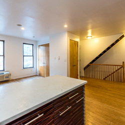 A $5,800.00, 5 bed / 2 bathroom apartment in Williamsburg