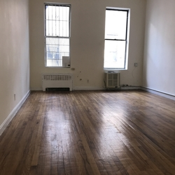 A $2,149.00, 0 bed / 1 bathroom apartment in East Village