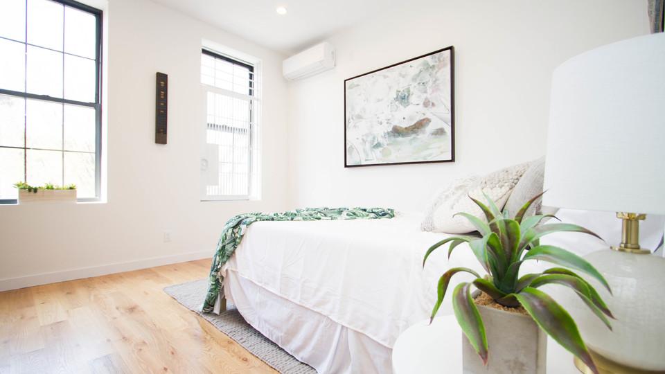 A $3,800.00, 3 bed / 1 bathroom apartment in Bushwick
