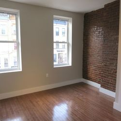A $3,250.00, 4 bed / 1 bathroom apartment in Bushwick