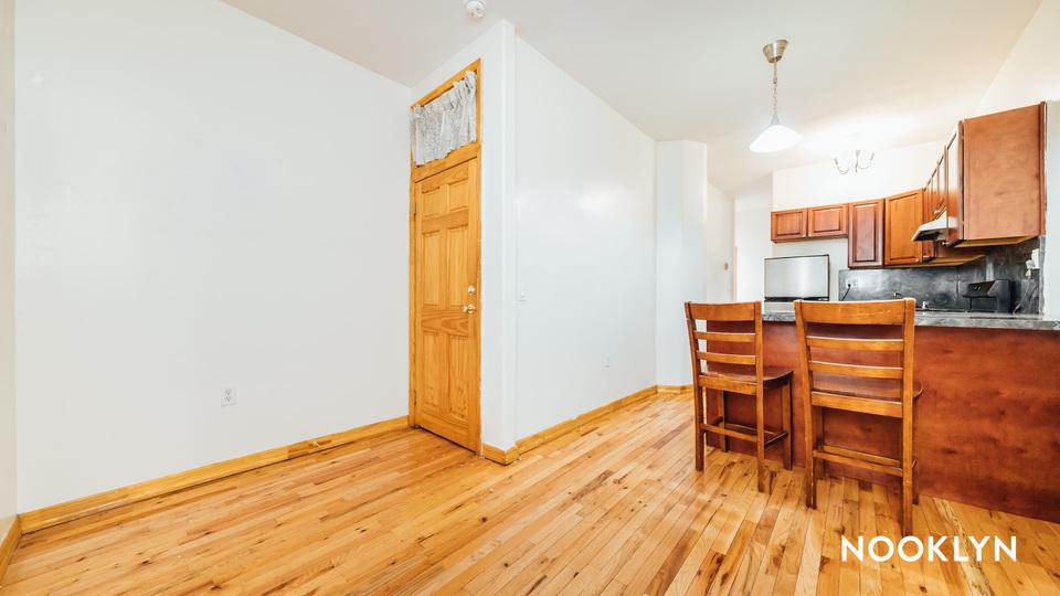 A $2,035.00, 2 bed / 1 bathroom apartment in Bushwick