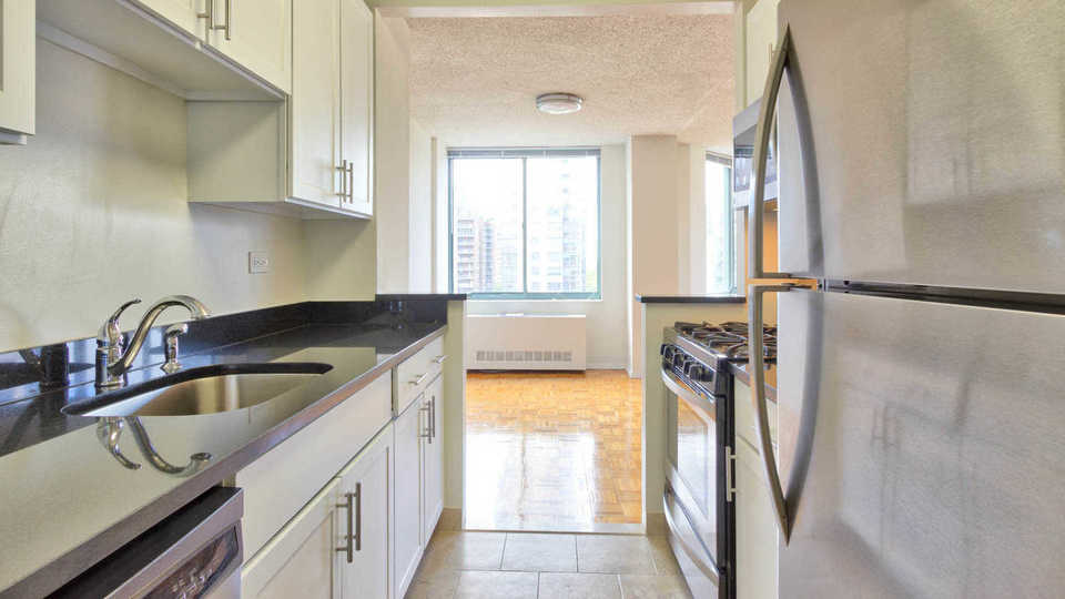 A $4,928.00, 2 bed / 2 bathroom apartment in Upper West Side