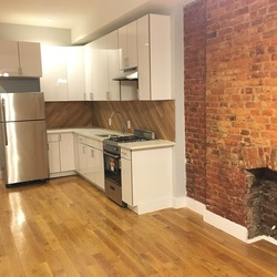 A $3,100.00, 3 bed / 1 bathroom apartment in Bed-Stuy