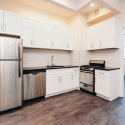 A $2,635.00, 3 bed / 1 bathroom apartment in Ridgewood