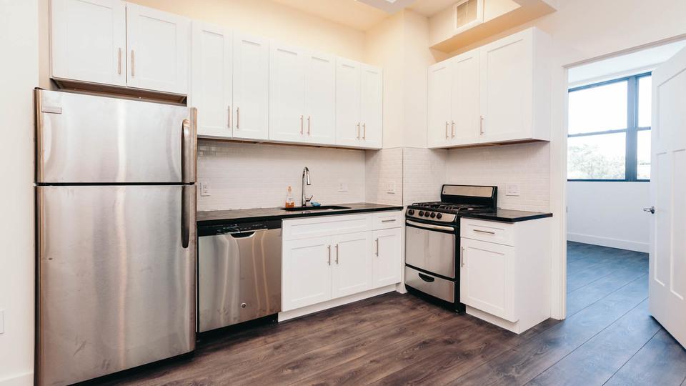 A $2,635.00, 3 bed / 1 bathroom apartment in Ridgewood