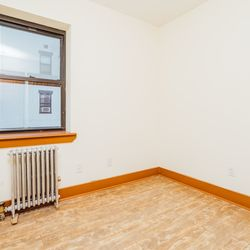 A $2,062.00, 2 bed / 1 bathroom apartment in Cypress Hills