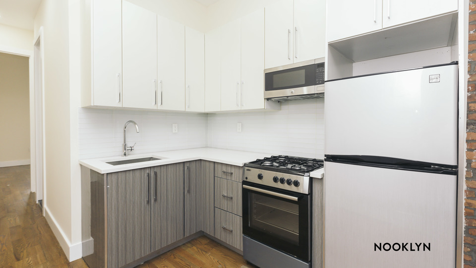 A $2,700.00, 3 bed / 1 bathroom apartment in Ridgewood